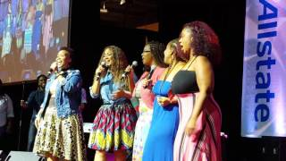 Mary Mary's Erica and Tina Campell Sing With Their Sisters