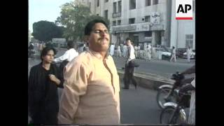 Pakistan - Protest over death of Murtaza Bhutto
