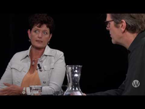 Dick Veerman met Sieta Keimpema en Jan Douwe v/d Ploeg; Het sprookje van het melkbeleid