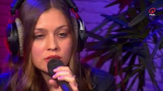 Q-Live Sessies: Amber - Make You Feel My Love (The Voice Van Vlaanderen - cover)