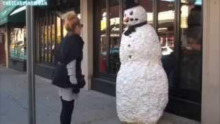 للكبار فقط /18+(كاميرا خفية  مظحكة جدا/رجل الثلج)