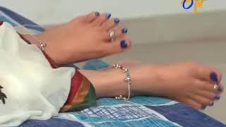 Jyothika feet kiss