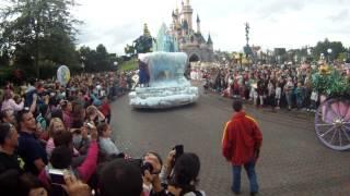 La parade COMPLETTE DisneyLand Paris