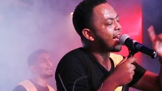 Jano Band - [Ayenema Wedajish] live at H2o New Ethiopian Music (Official HD Music Video)