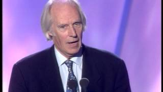 Fleetwood Mac win Outstanding Contribution presented by Sir George Martin   BRIT Awards 1998