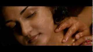 Jayasurya massaging honey rose in trivandrum lodge