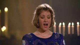 Lynne Dawson sings