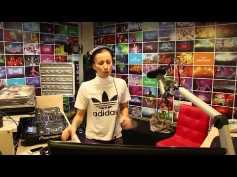 Lady Waks In Da Mix #350 (14-10-2015)