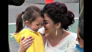 Aishwarya Rai Talking With Cute Little Fan Video