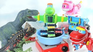 Hungry Dinosaurs. Dinosaurs Steal Tayo The Little Bus! GoGo Dino~ Make a happy ending. 고고다이노 공룡 대결