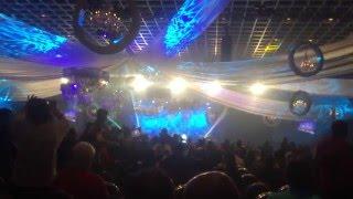 آهنگ شاد اندی و رقص مردم در جشن سال نو در لاس وگاس 2015 Andy Las Vegas