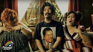 TRIAD -  Madu Tiga (Official Music Video)