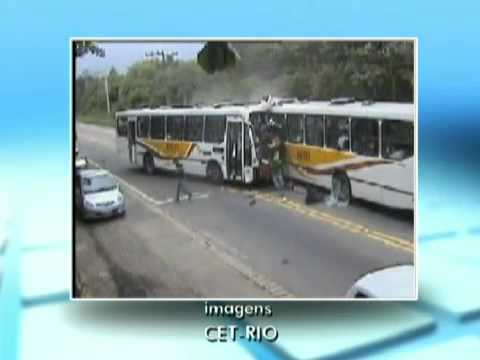 ACIDENTE ENTRE ÔNIBUS AO VIVO NO RJ. CRASH BUS LIVE IN BRAZIL