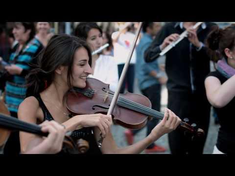 Azerbaijan Student Network Mozart flash mob in Prague