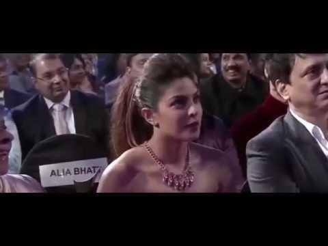 Kapil Sharma Flirting  With Sunny Leone   Sharman Joshi in Award Show 2016