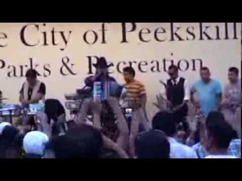 1MER FESTIVAL ECUATORIANO FRONT RIVER PARK PEEKSKILL NY 2013 ANGEL GUARACA