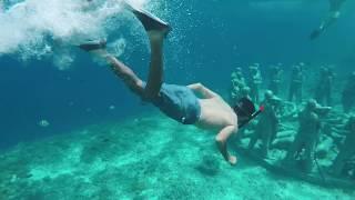 أموات تحت البحر