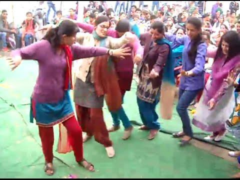 Himachali Dance by himachali girls