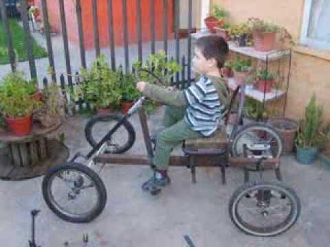 Auto a pedales hecho en casa. Home made pedal car