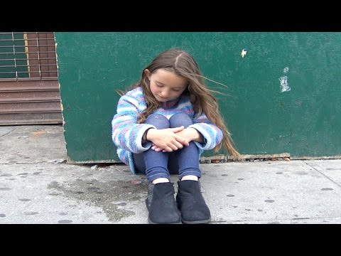 Social Experiment Gone Wrong – Little Girl Pretends To Be Lost & Was Almost Kidnapped