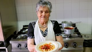 Pasta Grannies discover ferricelli pasta made by 93 year old Rosa!