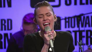 Miley Cyrus performs the climb 2017