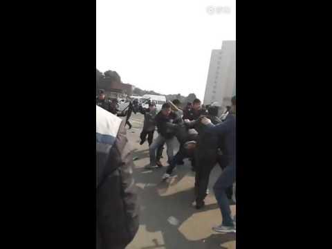 [2016.2.3]湖南省岳阳市岳阳大酒店80名装修工人到市政府讨薪时遭警察镇压15人被抓捕(一)