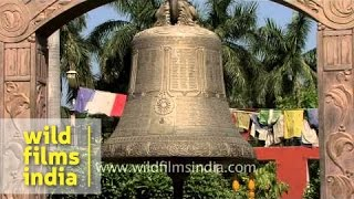 Holy bell at Sarnath Buddhist temple