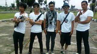 eazy band and quot astuti and quot