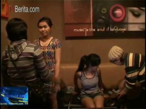 Tempat Karoke Inul Vista Karawang Dan DIVA Dirazia 3 Gadis ABG Cantik Ditangkap Konsumsi Narkoba