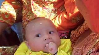3. Adat Mandailing-Marhaban sebelum Mengayunkan Anak.wmv