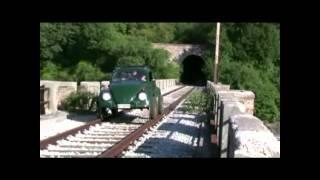 Un Maggiolino sulle rotaie - A Beetle on rails - Ein Käfer auf Schienen