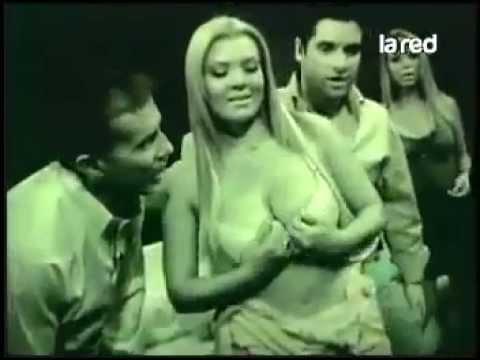 Así Somos panelistas realizan sensuales pruebas en el apagón total