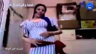 رقص مزة مصرية فى البيت بجلبية بلدى dance tube