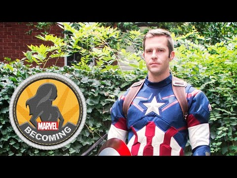 Cosplayer 2PlayerGame becomes Captain America Marvel Becoming