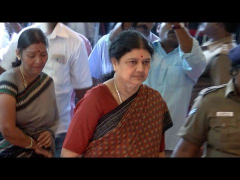 Jayalalitha News Update - Sasikala First Appearance in Public - Sasikala Pay Homage to Cho