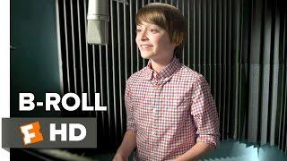 The Peanuts Movie B-ROLL (2015) - Noah Schnapp, Bill Melendez Movie HD