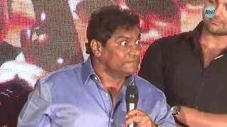 Johnny Lever Mimics The Battle Of Punjabi VS Bengali