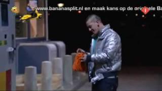 Bananasplit - Fransie Helpt Met Tanken (Pompie)