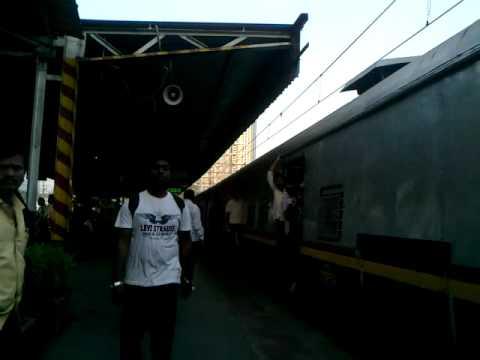 WESTERN RAILWAY'S MILLENIUM EMU COMING TO A HALT AT MAHALAXMI