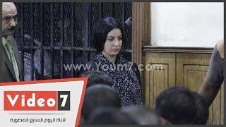 """بالفيديو.. القاضى يسأل صافيناز : """" أهنت علم مصر """" .. والراقصة ترد :"""" لا محصلش """""""