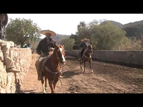 Intro Rodeo 70 Y en Cueva Grande 12 26 11