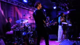 Lizz Wright - Hit The Ground (New Morning - Paris - October 30th 2015)