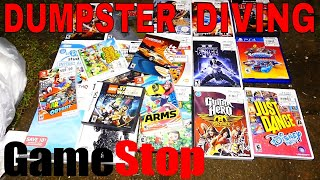 SO MANY VIDEO GAME CASES!! Dumpster Diving Gamestop Night #376