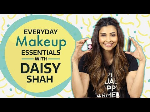 Xxx Mp4 Daisy Shah What S In My Makeup Bag Bollywood Pinkvilla Fashion 3gp Sex