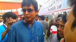 ভোট দিতে গিয়ে এটা কি করলো আমিন খান..! দেখতে হলে এখনি ক্লিক করুন