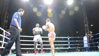 20.07 Saenchai vs Umar Semata round 1 twitter @muaythaicombat 1/5