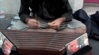 Incredible Street Musician playing the Santoor in Rome