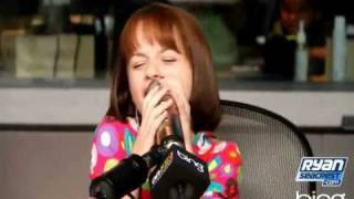 Joey King sings Naturally On-Air with Ryan Seacrest