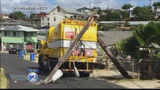 Hawaiian Electric restores power after garbage truck snags overhead lines